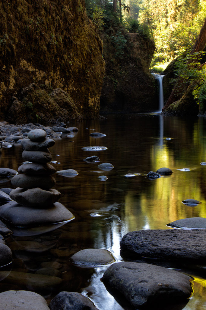 Punchbowl Falls in Oregon's Columbia Gorge